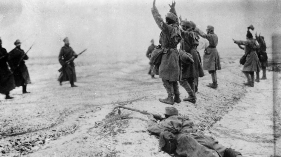 Kapitulation österreichischer Soldaten  | Austrian soldiers surrender