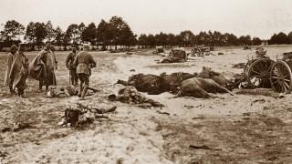 Erster Weltkrieg: Deutsche Soldaten nach einer Schlacht an der Ostfront
