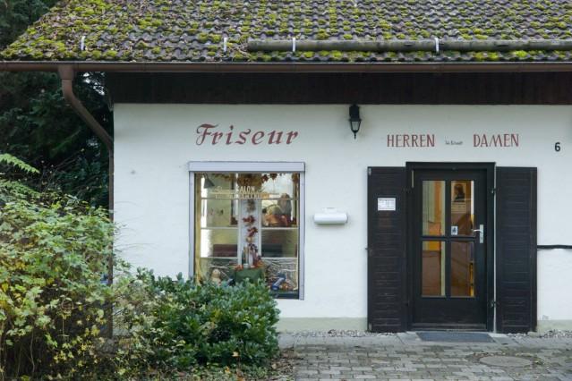 Winhöring: Altmodischer Friseur-Salon
