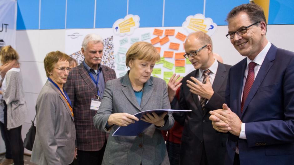 """Angela Merkel auf dem """"EineWelt-Zukunftsforum"""""""