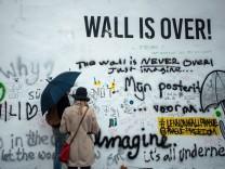 Die John-Lennon-Mauer in Prag wurde übermalt. Immer diese Kunststudenten.