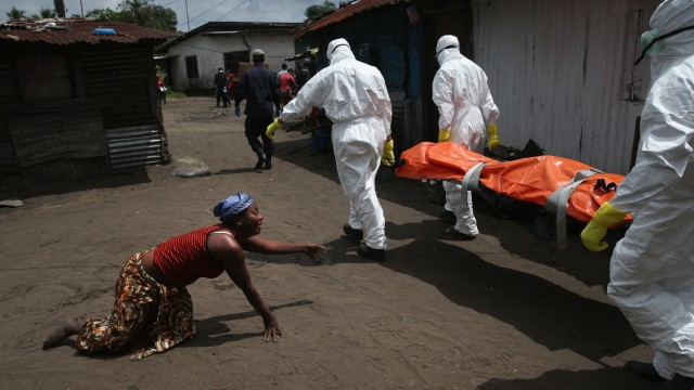 BESTPIX Liberia Races To Expand Ebola Treatment Facilities, As U.S. Troops Arrive