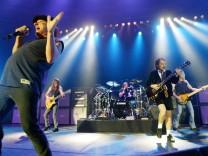 AC/DC 2003 bei einem Konzert in München.