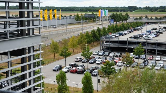 Parkplatz am Flughafen in München, 2013