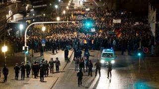 Demonstration gegen Salafisten und Islamisierung