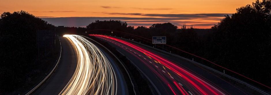 Deutschland Brandenburg Cottbus Autobahn A15 03 10 2012 Die Sonne geht am Abend 03 10 2012 üb