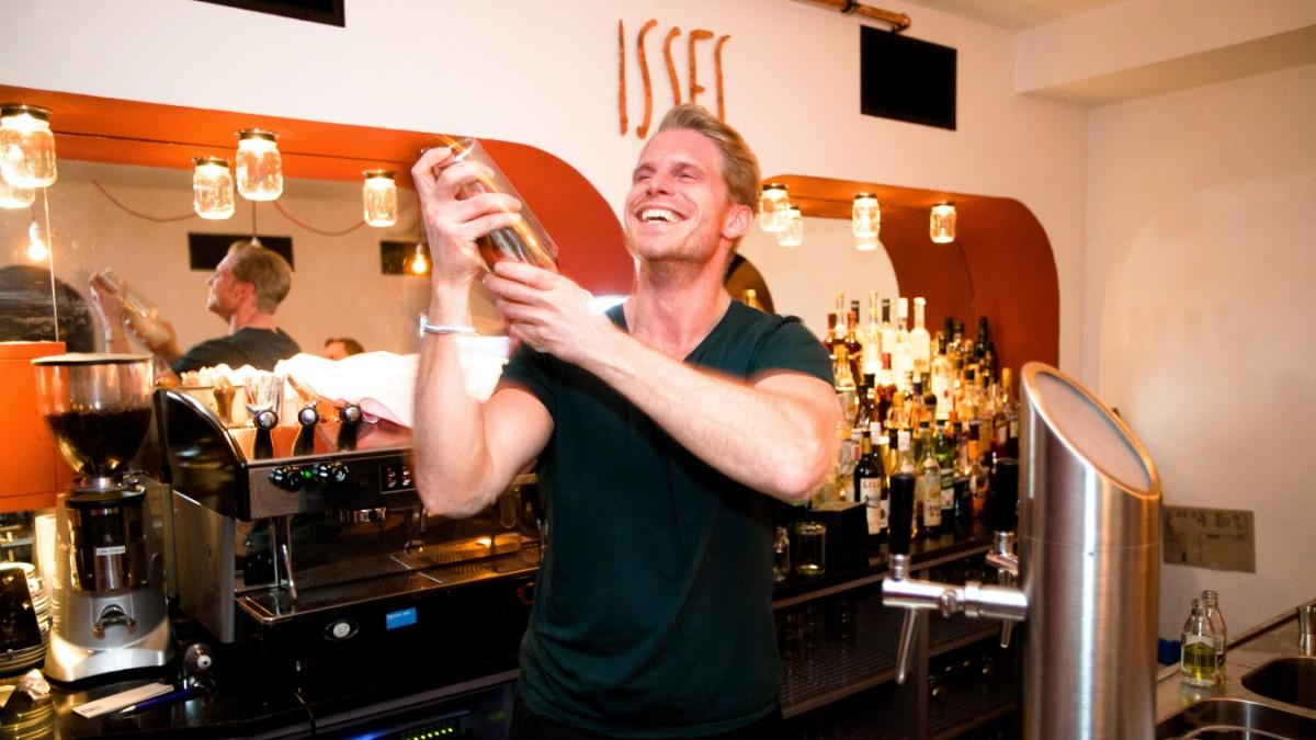 Bar Isses in München - Betont lässig - München - Süddeutsche.de