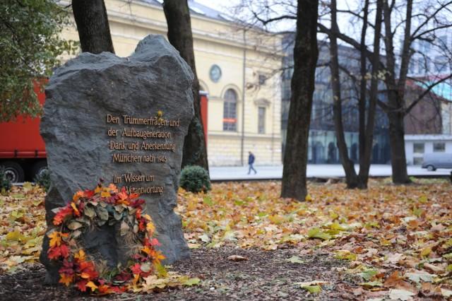 Denkmal für Trümmerfrauen in München, 2013