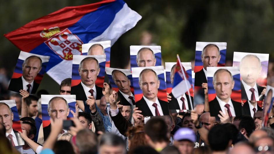 Russland macht Stimmung gegen die EU in Serbien