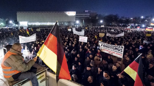 Islam Demos in Dresden und Düsseldorf