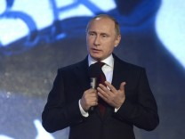 Vladimir Putin attends Russian Geographical Society Awards ceremo
