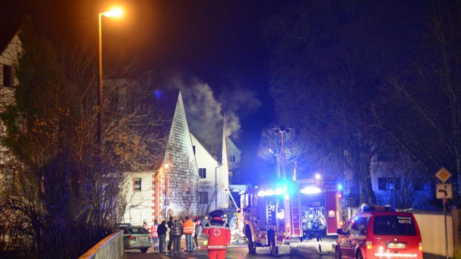 Feuer in geplanten Flüchtlingshäusern