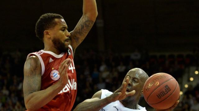 Bryce Taylor FC Bayern Muenchen Basketball Brandon Kyle Bowman BBC Bayreuth v li Aktion FC; Basketball
