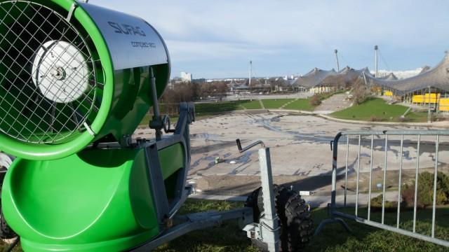 Sonne und grüne Wiese am Olympiaberg trotz anstehendem Parallelslalom-Weltcup