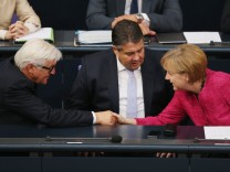 Germany To Send Arms To Iraqi Kurds, Bundestag Debates