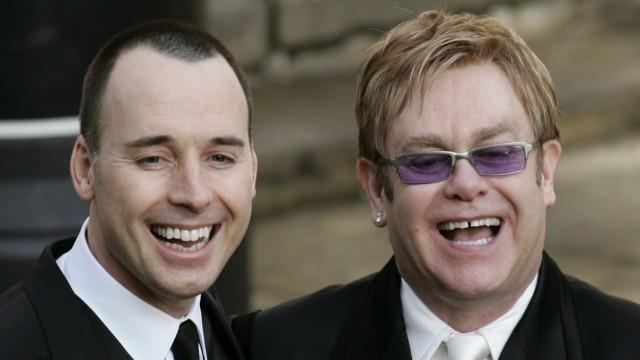 Elton John (rechts) und David Furnish