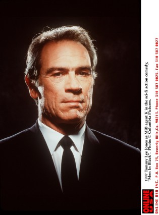1997 Tommy Lee Jones as MiB agent K in the sci-fi action comedy, 'Men In Black'.
