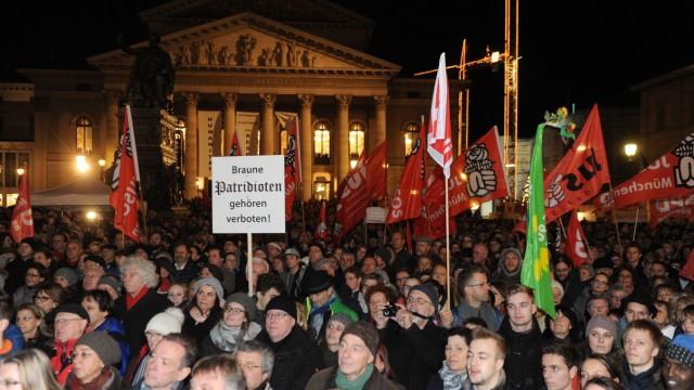 Pegida Anti-Pegida-Demo