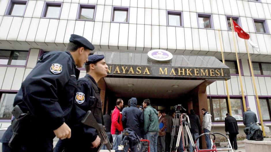 Türkisches Verfassungsgericht eröffnet Verbotsverfahren gegen AKP