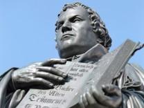 Marthin Luther Reformator Wittenberg Denkmal Evangelische Kirche Protestanten