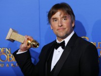 Richard Linklater mit seinem Golden Globe in Bevery Hills.