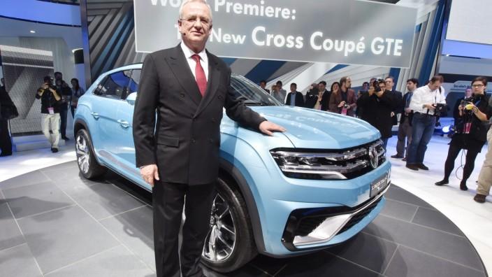 Die Studie VW Cross Coupé GTE auf der Detroit Motor Show 2015.