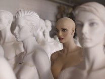 Moch Figuren - The Oldest Manufacturer Of Display Mannequins In Europe