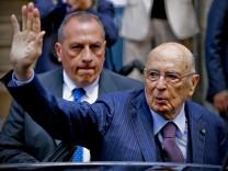 Italian President Napolitano resigns