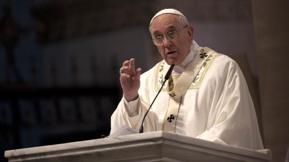 Anschlag auf Charlie Hebdo Papst Franziskus