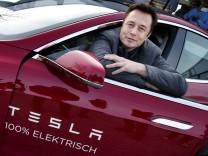 Elon Musk im Tesla Model S.