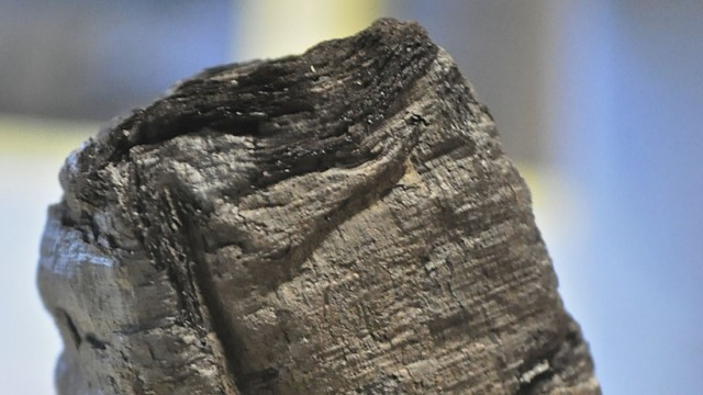 Archäologie Rekonstruktion von Papyrusrollen