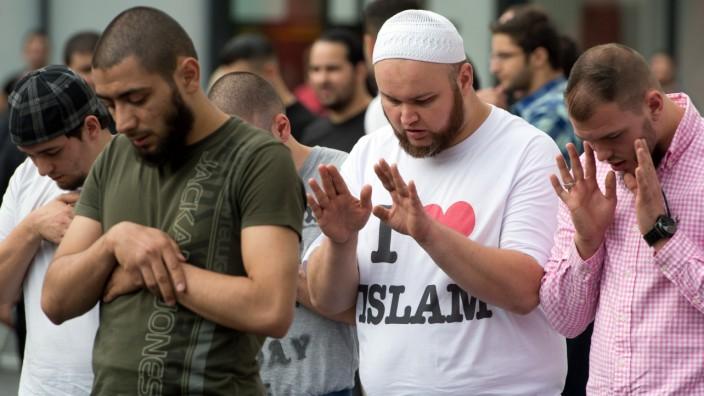 Salafisten demonstrieren in Frankfurt