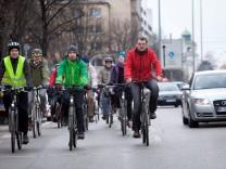 Radl-Demo, Grüne setzen sich für einen durchgängigen Radlweg an der Rosenheimer Straße ein.