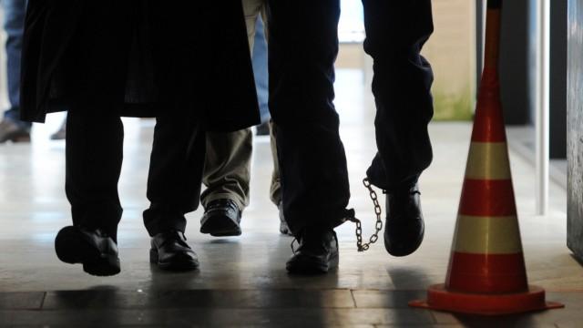 Wachtmeister wegen Raubmordes vor Gericht