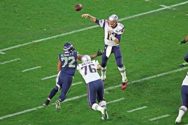 Sebastian Vollmer 76 Patriots blockt DE Michael Bennett 72 Seahawks und verschafft QB Tom Brad