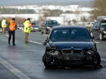 Unfallserie mit mehreren Autos auf A9