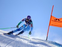 Ladies' Alpine Combined - Downhill