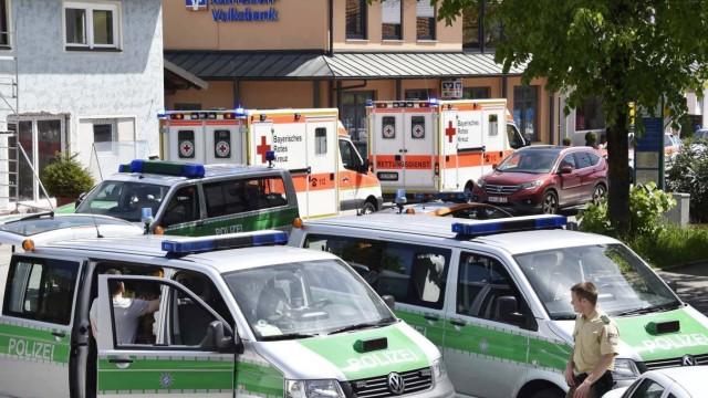 Feuerwehr - Gefahrgutunfall; Banküberfall Hohenlinden