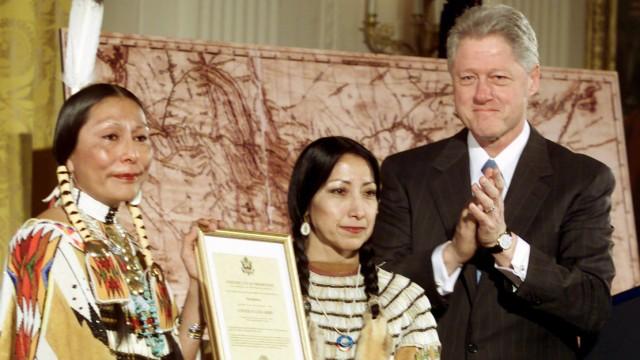 Bill Clinton, 2001