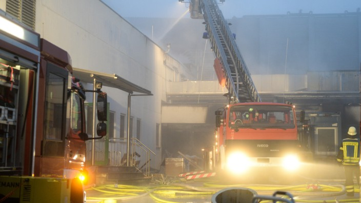 Millionenschaden bei Brand in Schlachtanlage