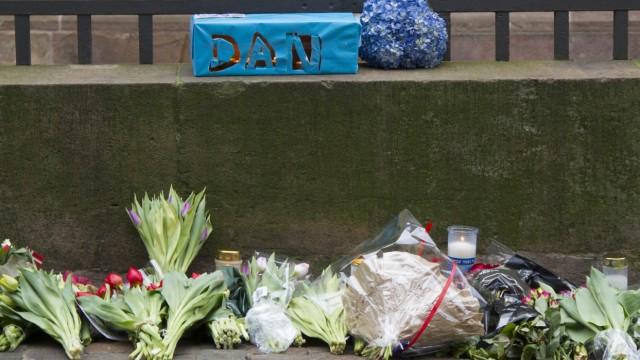 Nach Terroranschlag in Kopenhagen - Trauer vor Synagoge