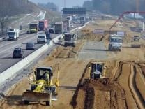 Bundesverkehrsminister Dobrindt besucht A8-Baustelle