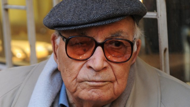 Yasar Kemal im Jahr 2011