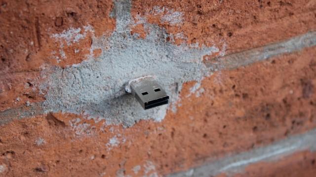 USB-Stick Dead Drops