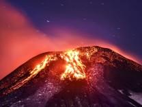 Volcano Villarrica eruption