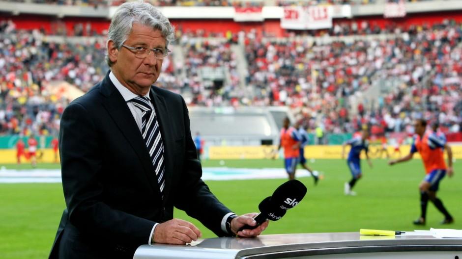 Fortuna Duesseldorf v Hamburger SV - DFB Cup