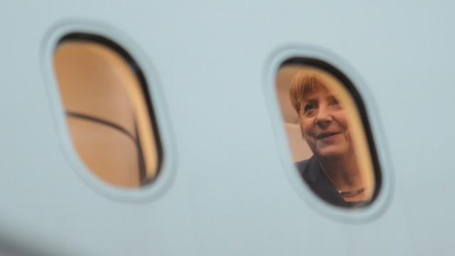 Bundeskanzlerin Merkel im Regierungsflugzeug