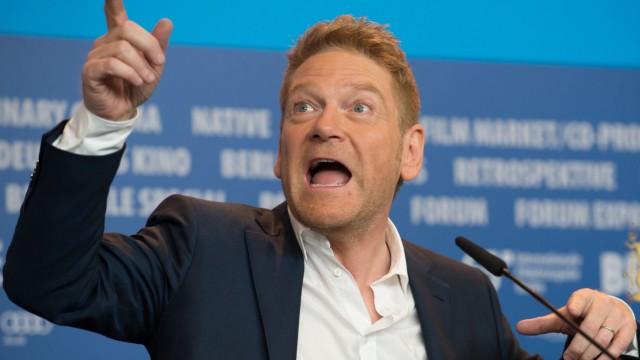 """Kenneth Branagh bei der Pressekonferenz zu """"Cinderella"""" auf der Berlinale."""