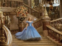 Lily James als Cinderella