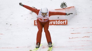 Showspringen mit Michael EDWARDS alias Eddie the Eagle Skispringen Vierschanzentournee am 29 12 2